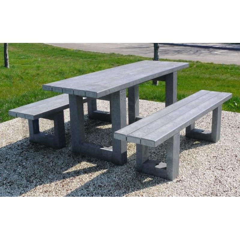 table de pique nique en plastique recycl table de pique. Black Bedroom Furniture Sets. Home Design Ideas